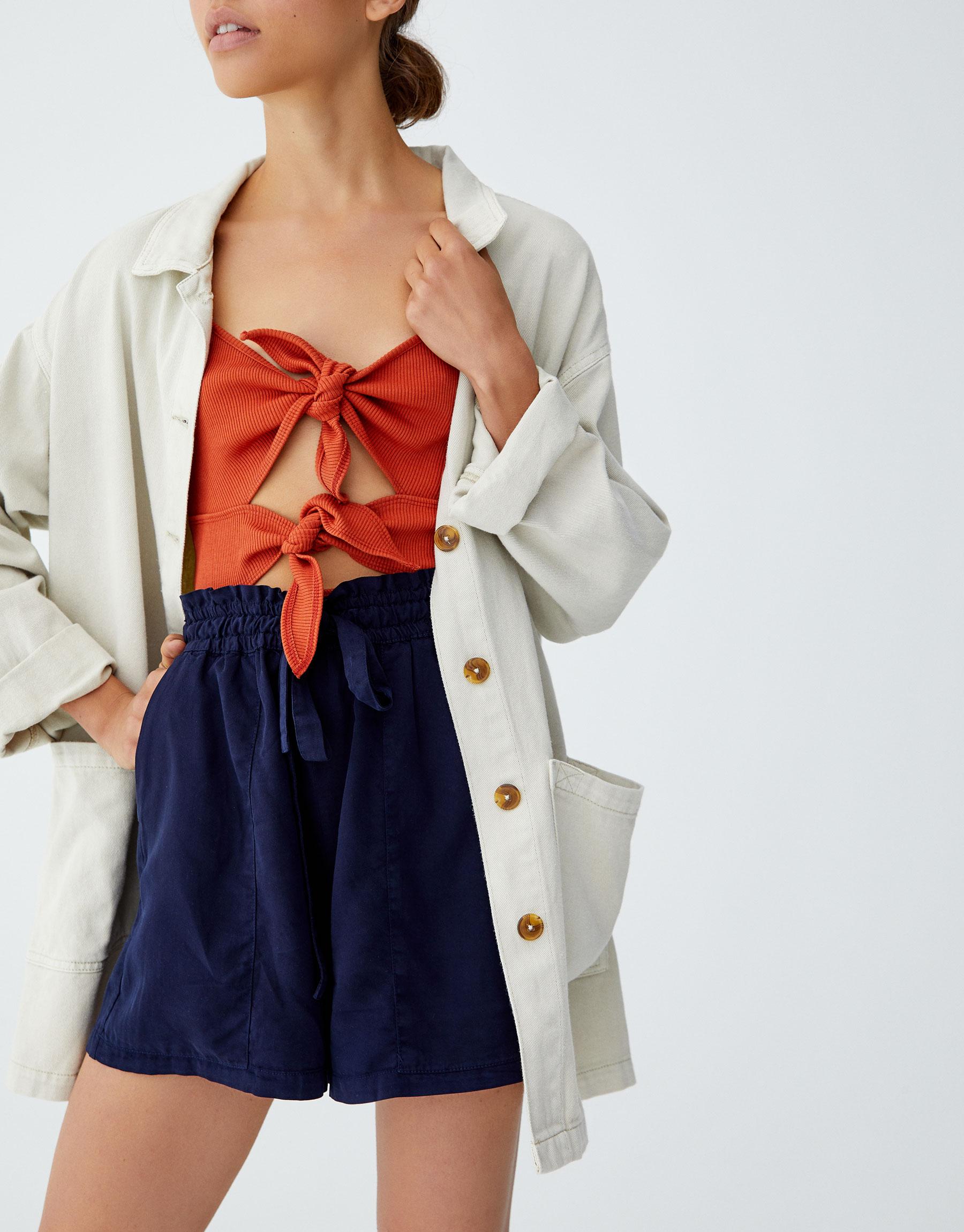 Imagen principal de producto de Shorts paper bag lisa - Pull & Bear