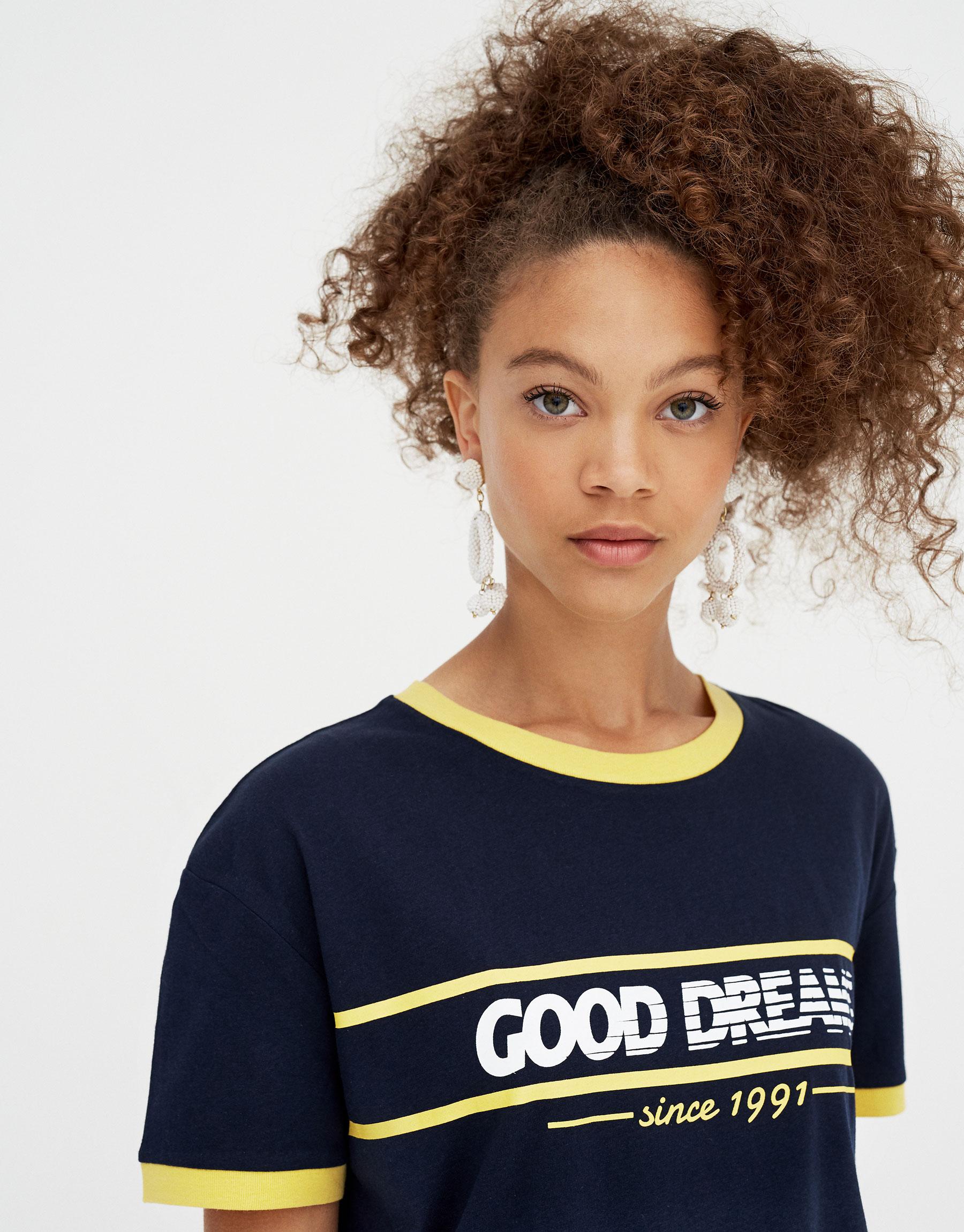 Imagen principal de producto de Camiseta vintage ribete contraste - Pull & Bear