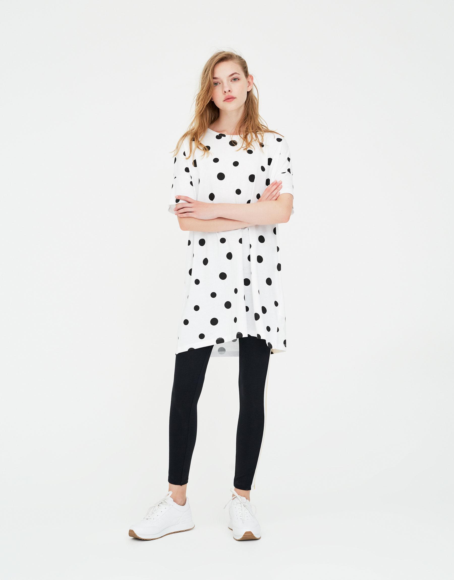 Imagen principal de producto de Camiseta vestido topos - Pull & Bear