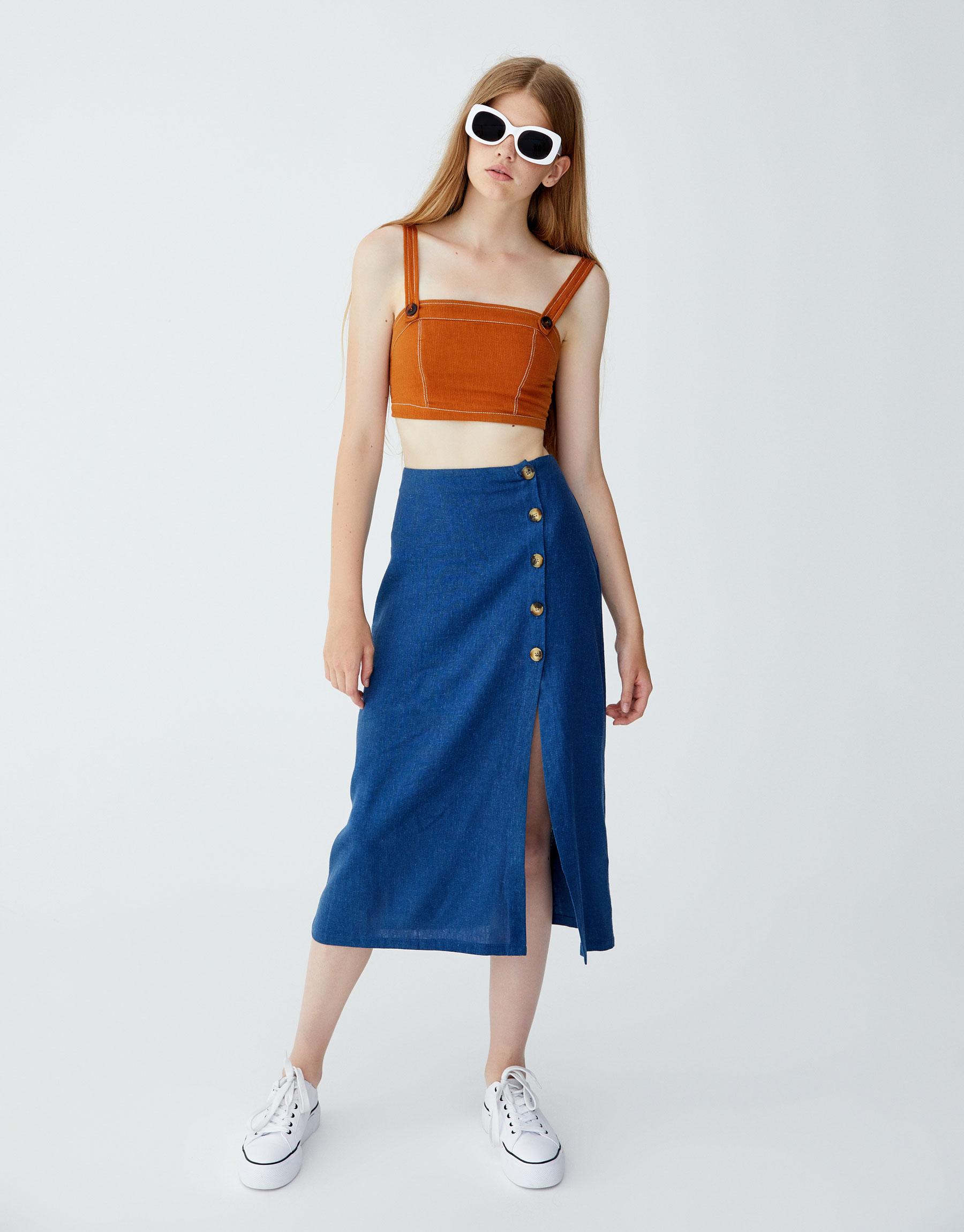 Imagen principal de producto de Falda midi botones laterales - Pull & Bear