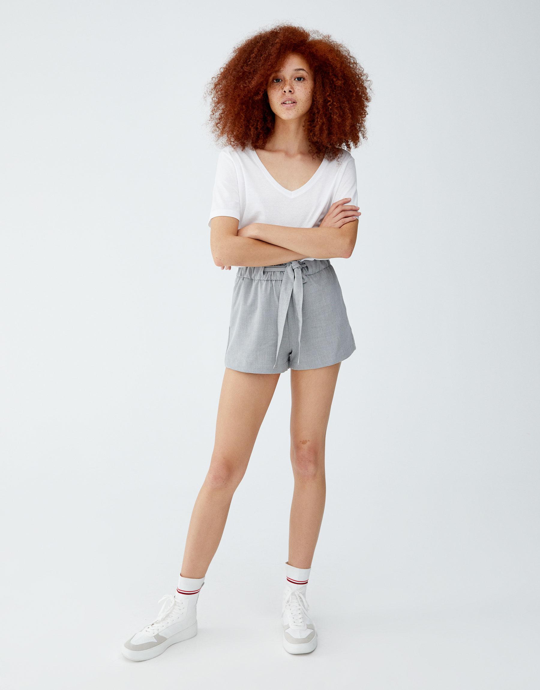 Imagen principal de producto de Shorts lazada liso - Pull & Bear