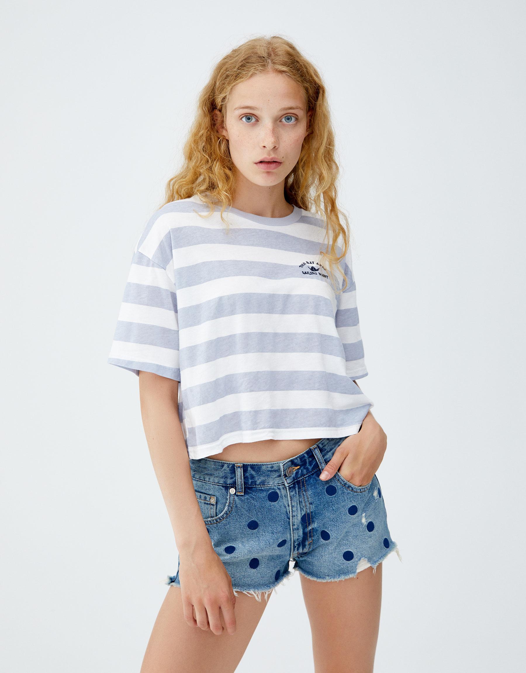 Imagen principal de producto de Short denim mom fit lunares - Pull & Bear