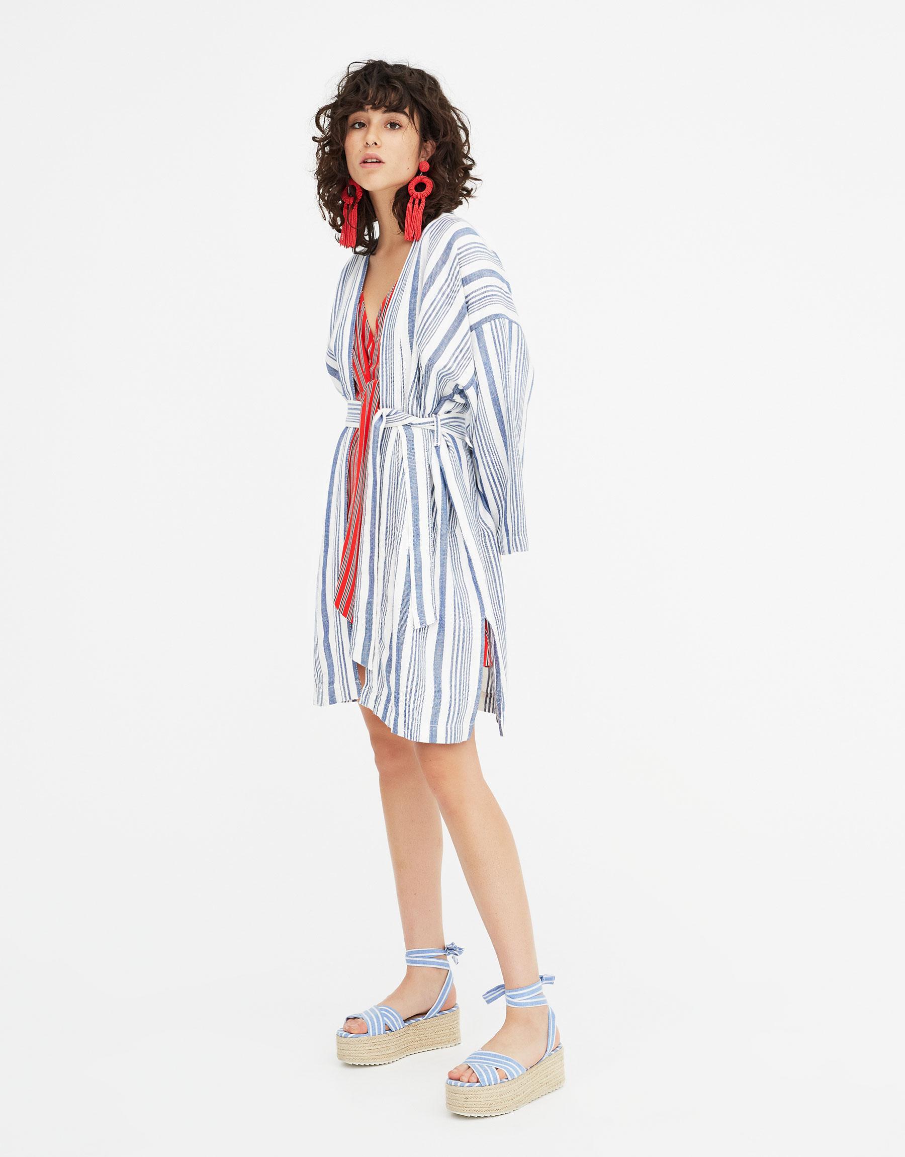 Imagen principal de producto de Chaqueta kimono rayas larga - Pull & Bear