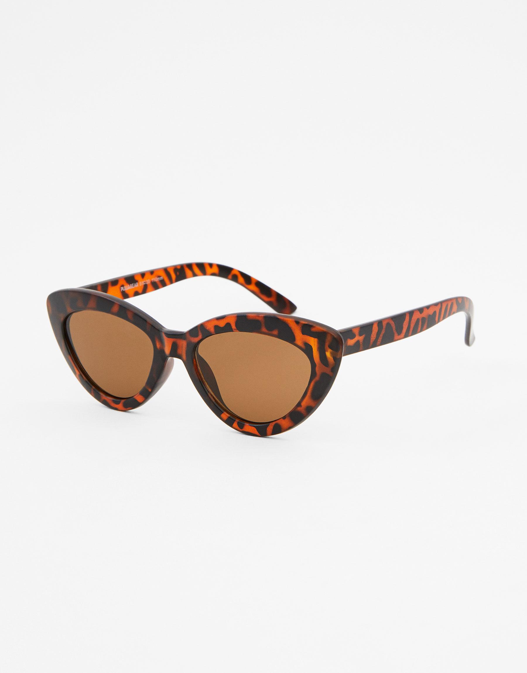 Imagen principal de producto de Gafas de sol cat eye carey - Pull & Bear