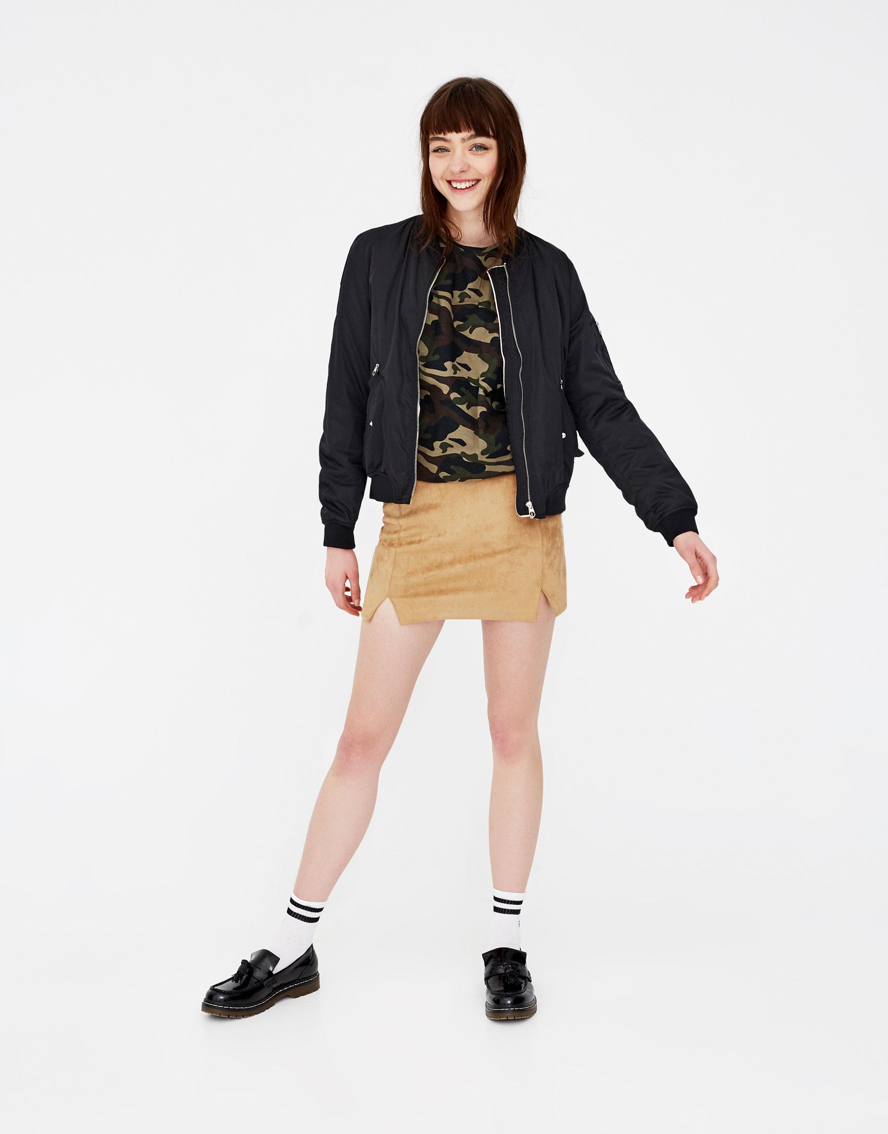 Imagen principal de producto de Camiseta print camuflaje all over - Pull & Bear