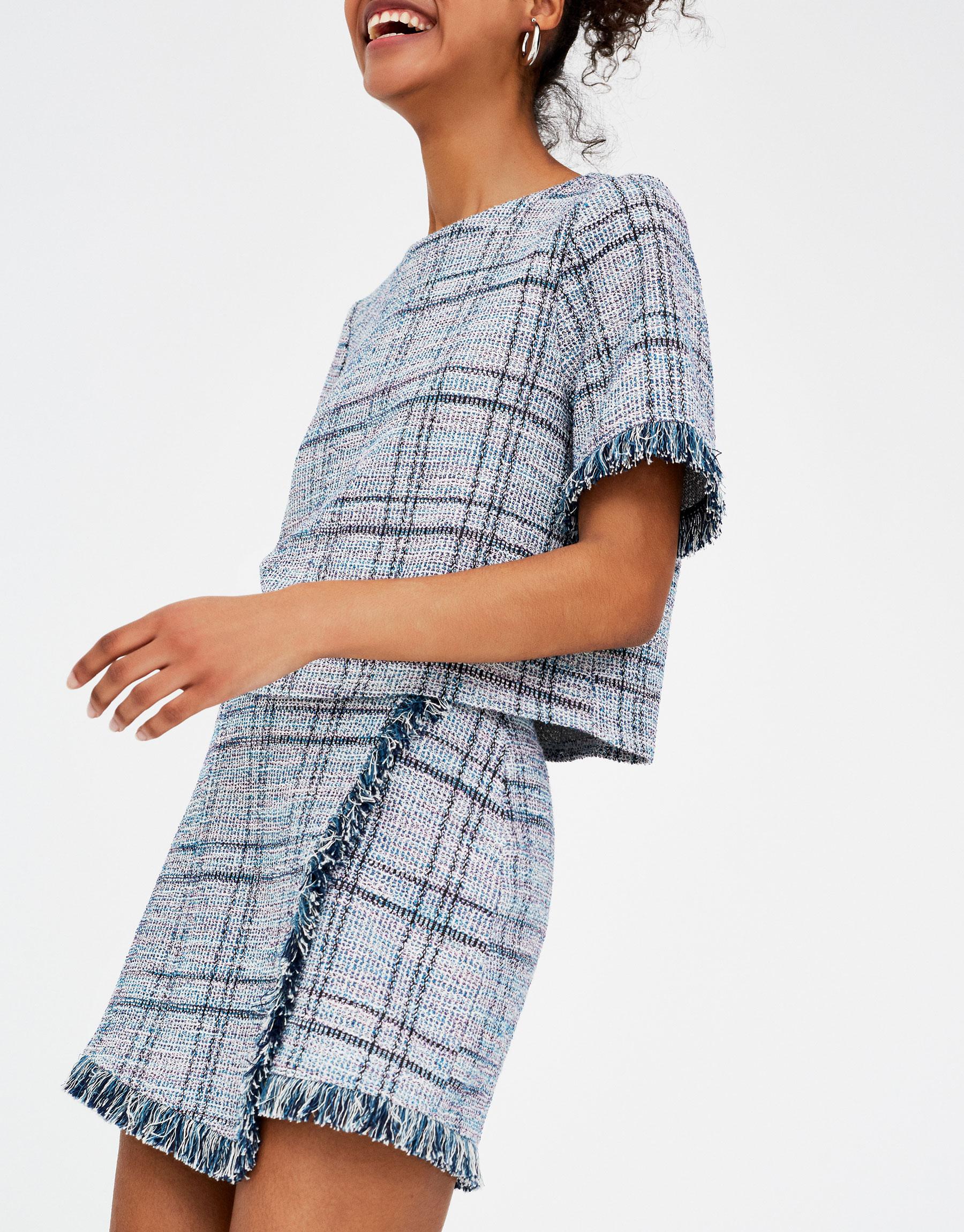 Imagen principal de producto de Falda tailoring con flecos - Pull & Bear