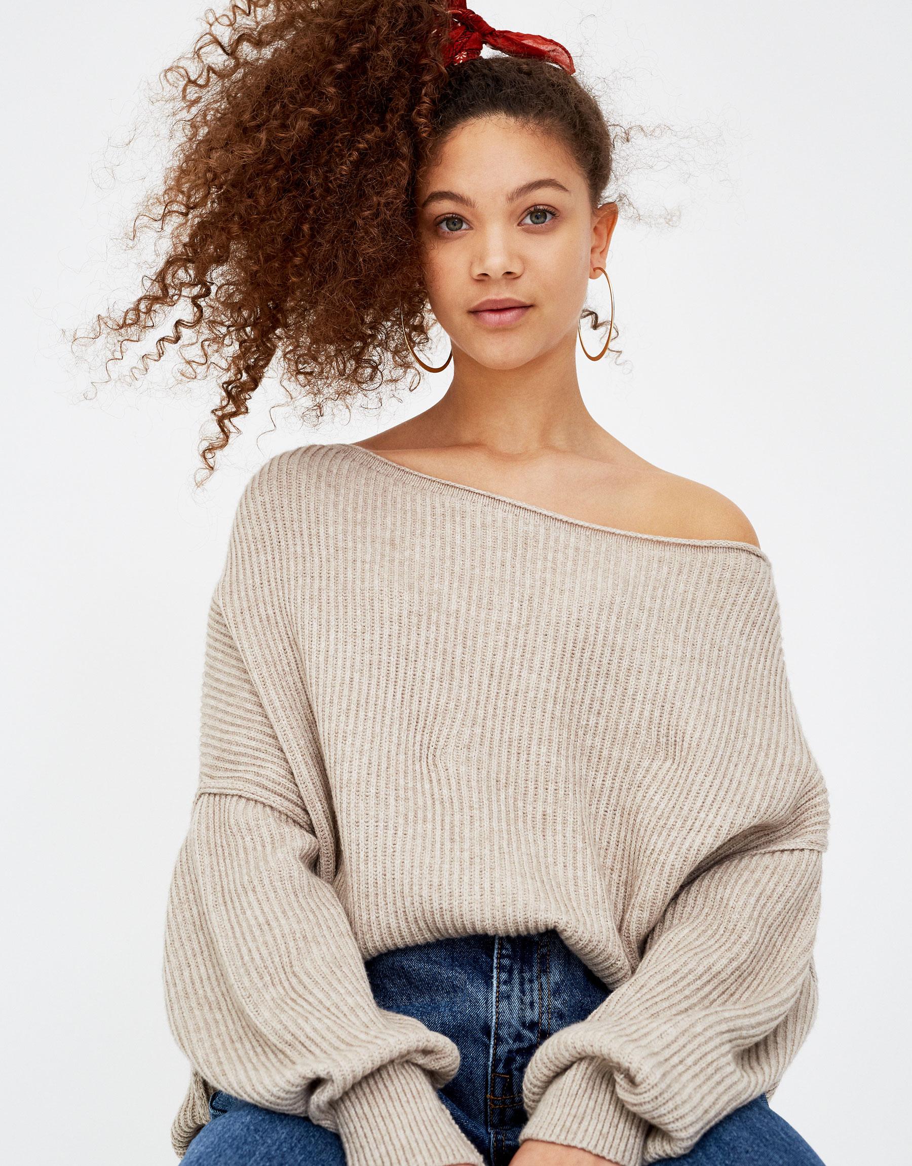 Imagen principal de producto de Jersey hombro descubierto - Pull & Bear
