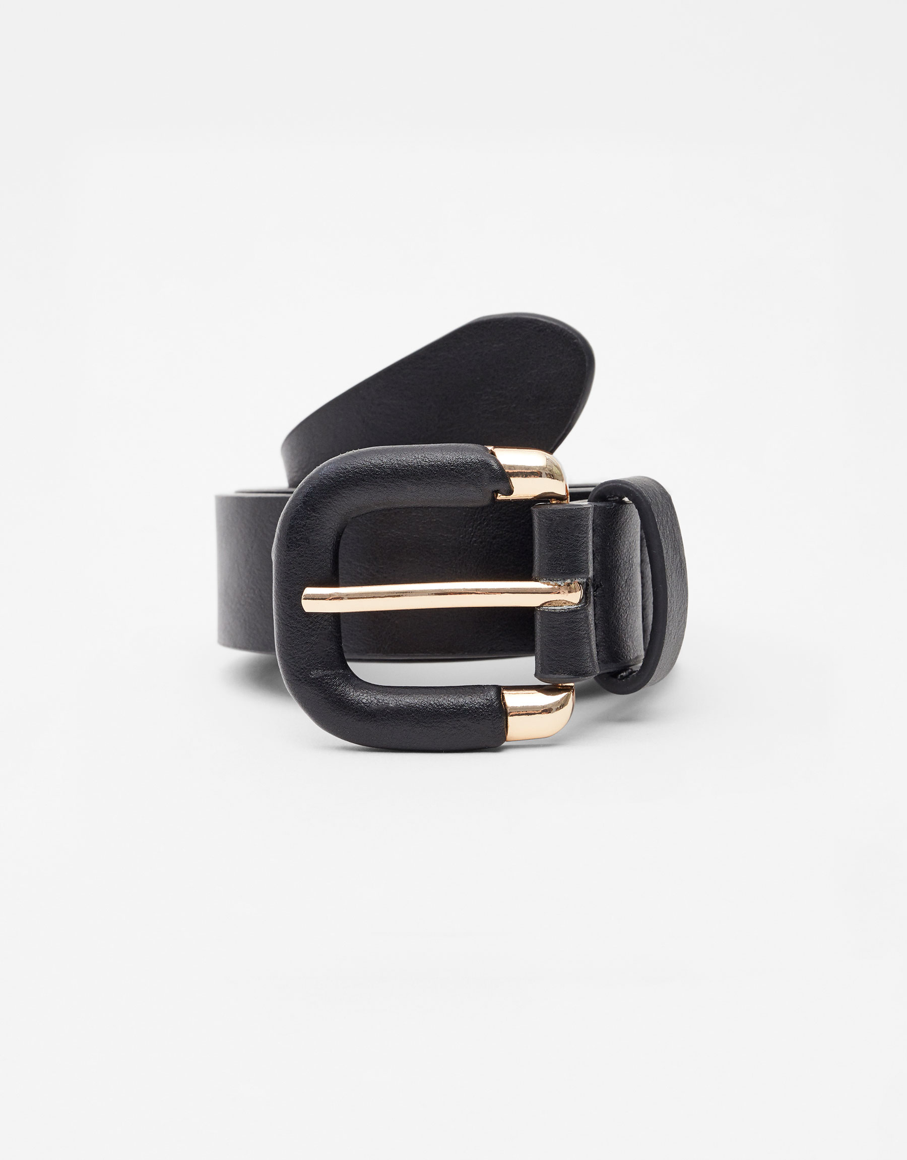 Imagen principal de producto de Cinturón hebilla semiforrada - Pull & Bear