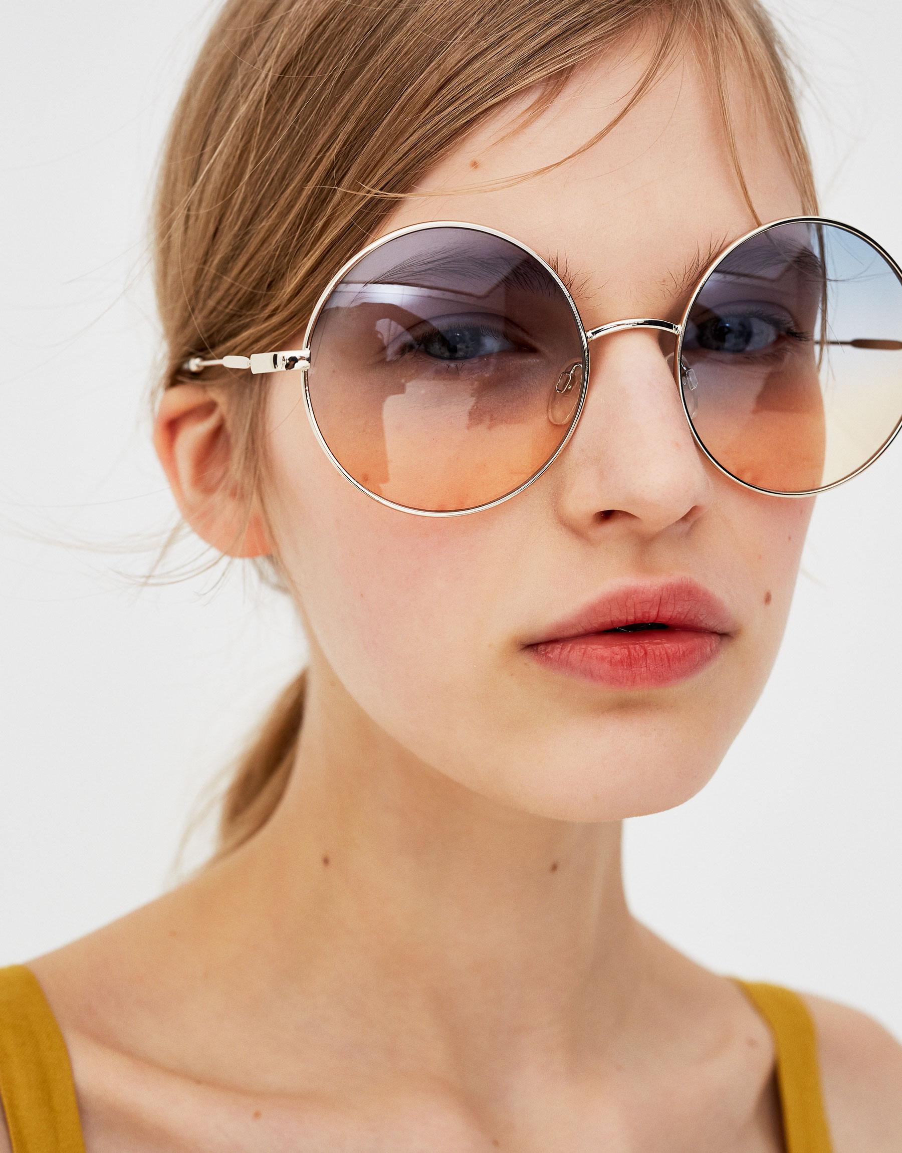 Imagen principal de producto de Gafas de sol redondas lentes degradadas - Pull & Bear
