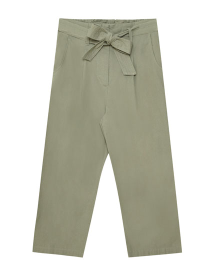 Linen culottes with tied belt