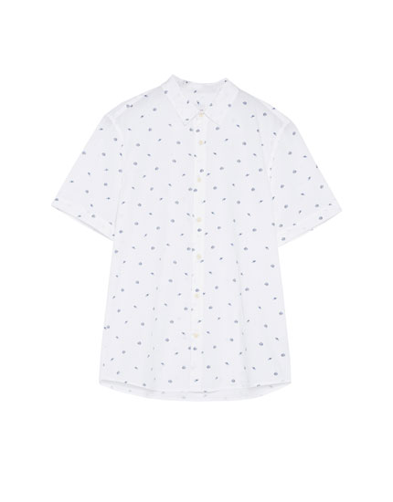 Shirt with an all over print