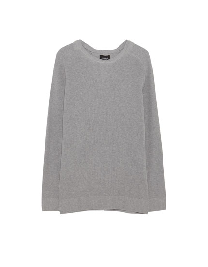 Sweater with saddle-shoulder sleeves