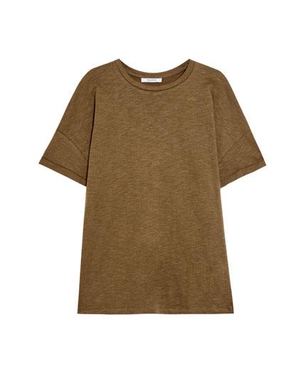 Basic slub knit T-shirt with rolled-up sleeves