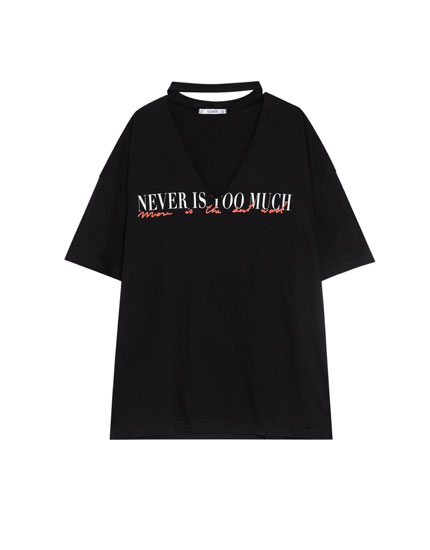 Choker neck T-shirt with slogan