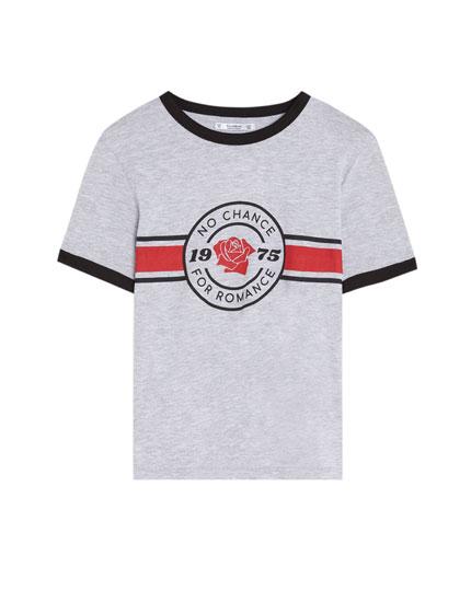 Short sleeve T-shirt with flower design