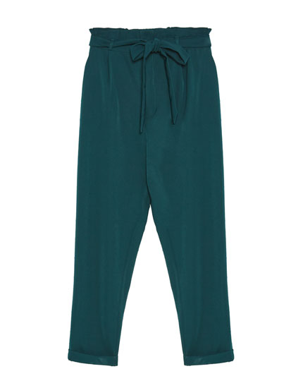 Paperbag trousers with tied belt