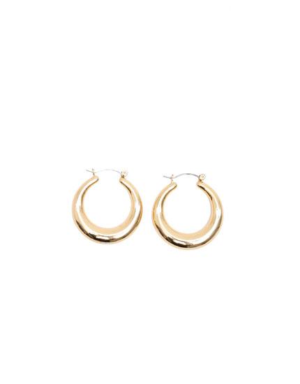 Half-moon hoop earrings