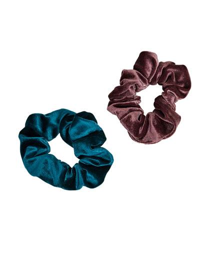 Pack of velvet scrunchies