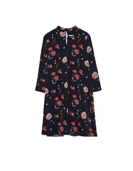Printed dress with choker neck