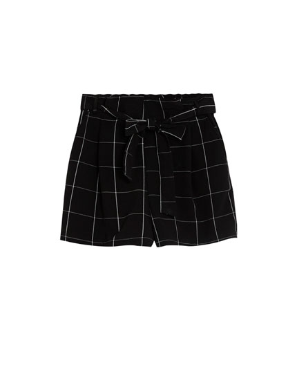Tailored shorts with tied belt