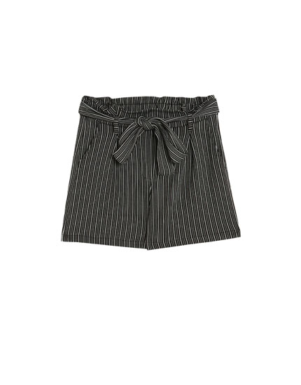 Paper bag shorts with a belt and stripe print