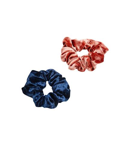 2-pack of velvet scrunchies