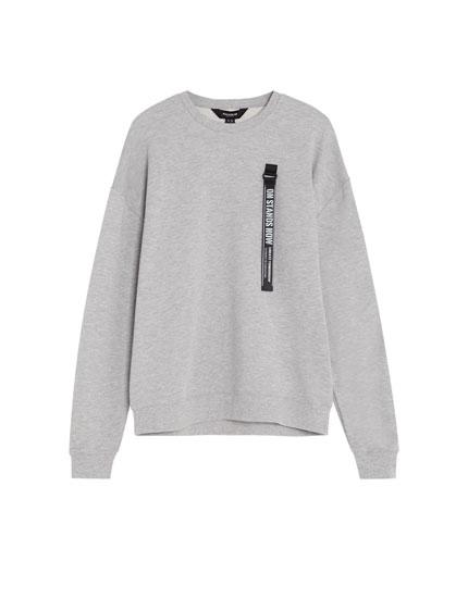 Sweatshirt with details