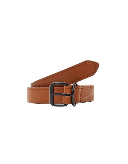 Belt with metal loop