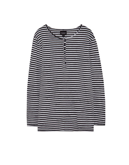 Striped T-shirt with button-up collar