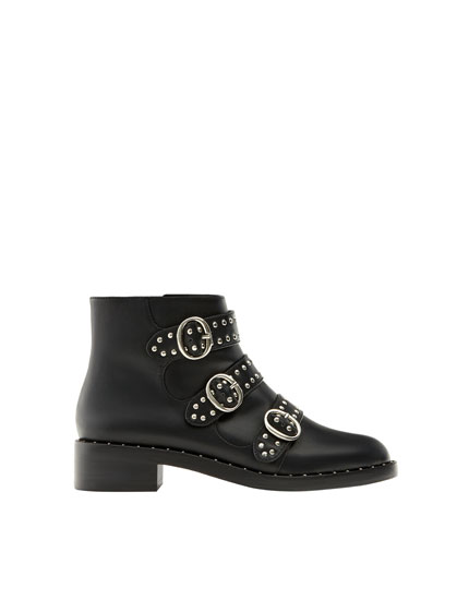 Fashion ankle boots with buckle