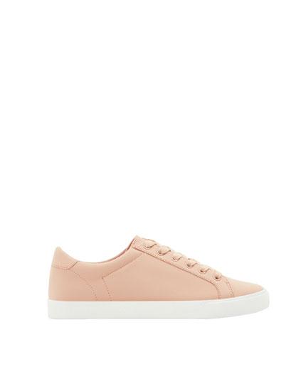 Basic pink plimsolls