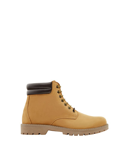 Leather sports boots