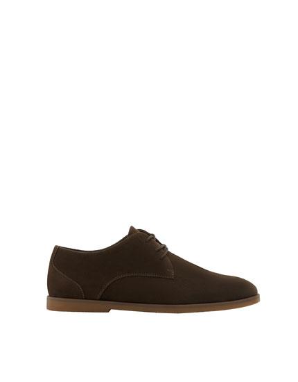 Slim brown shoes