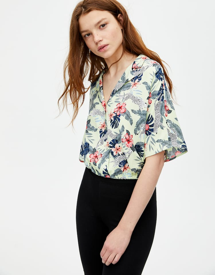c3516f8e3ef Check out the latest in Women's Blouses and Shirts | PULL&BEAR