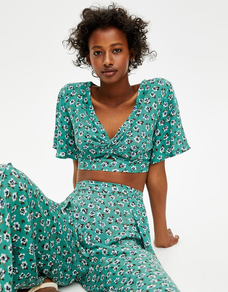 89f71da9af4e Check out the latest in Women's Blouses and Shirts | PULL&BEAR