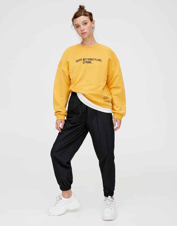 b1299f499a Discover the latest in Women's Sweatshirts | PULL&BEAR