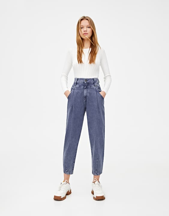 jeans-slouchy-canesú-pinzas by pull-&-bear