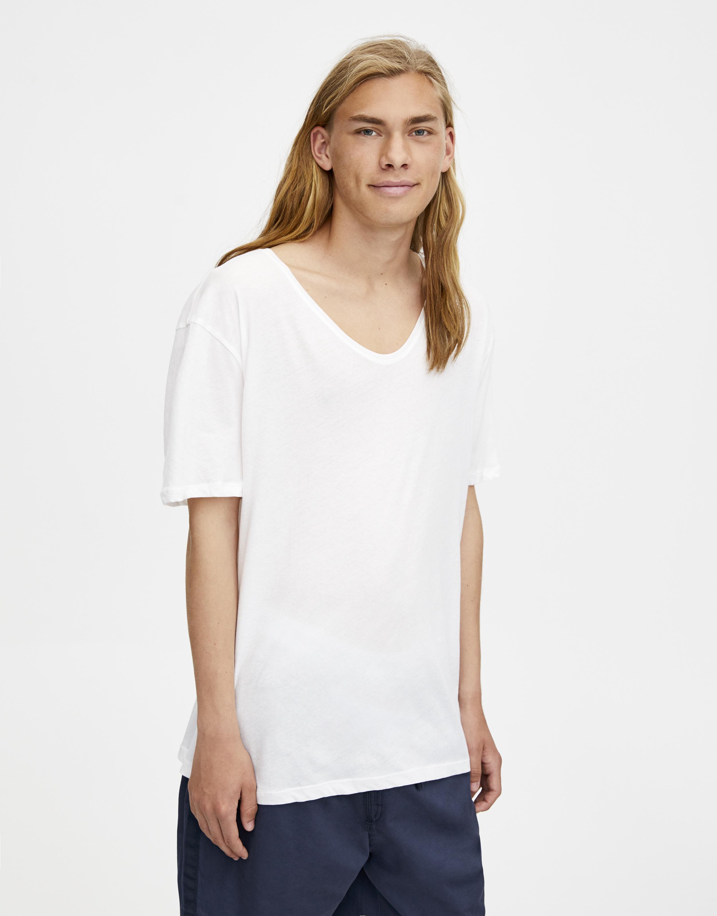 Camiseta cuello pico amplio