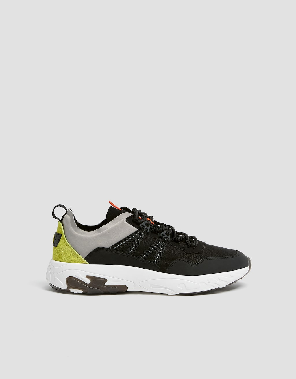 street-trainers-with-stripes by pull-&-bear