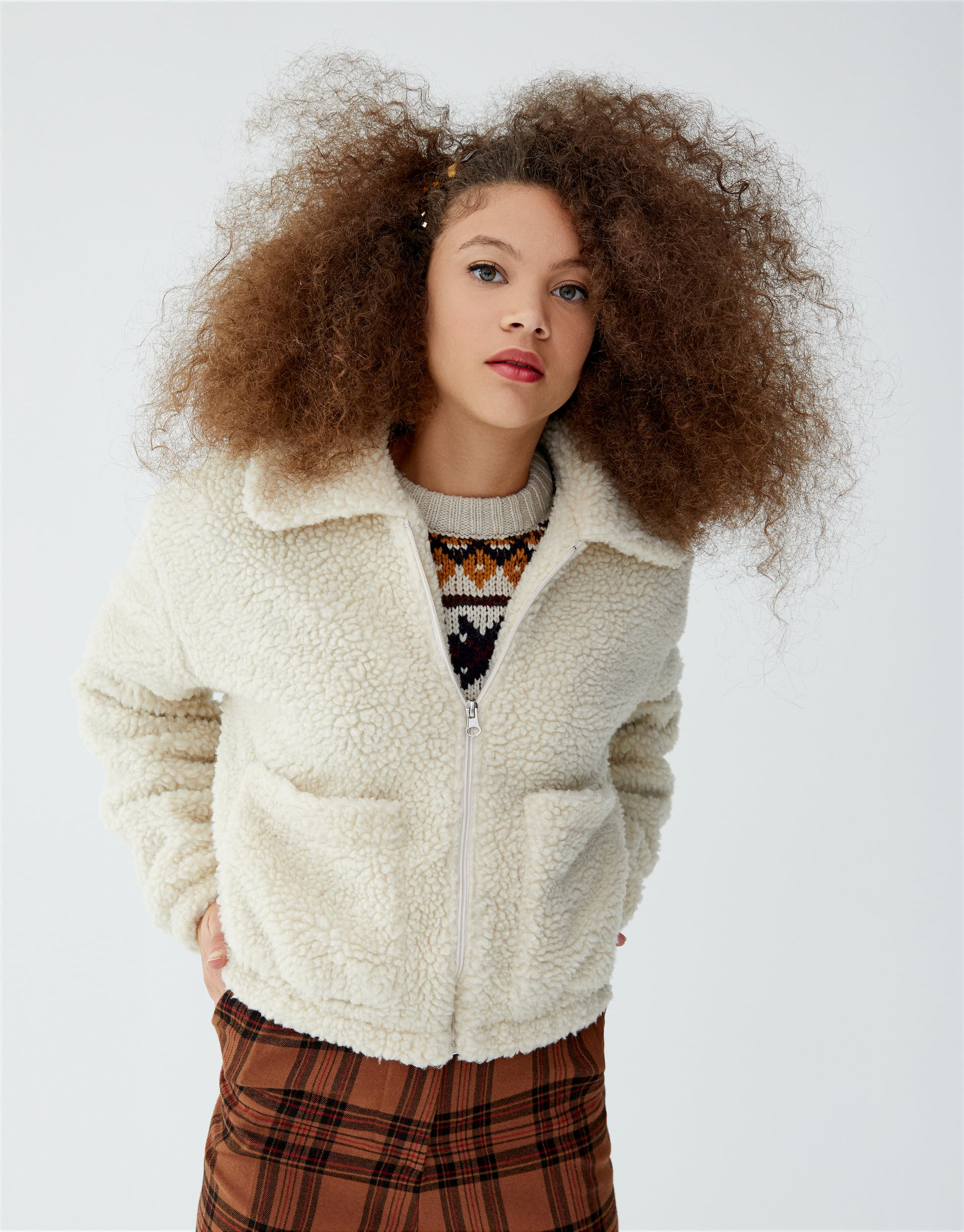 4ad6ffc87 Cropped faux shearling jacket - pull&bear