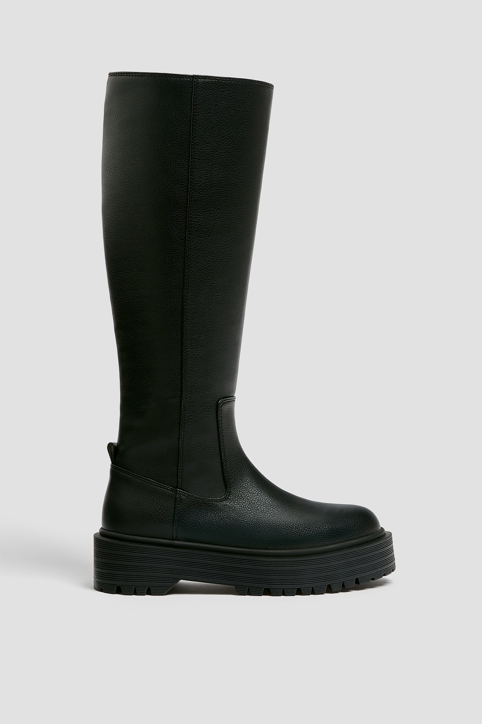 Knee-high boots with track sole - PULL\u0026BEAR