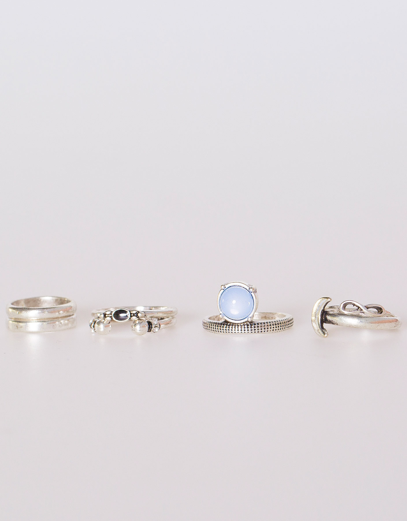 Pack of 7 assorted rings