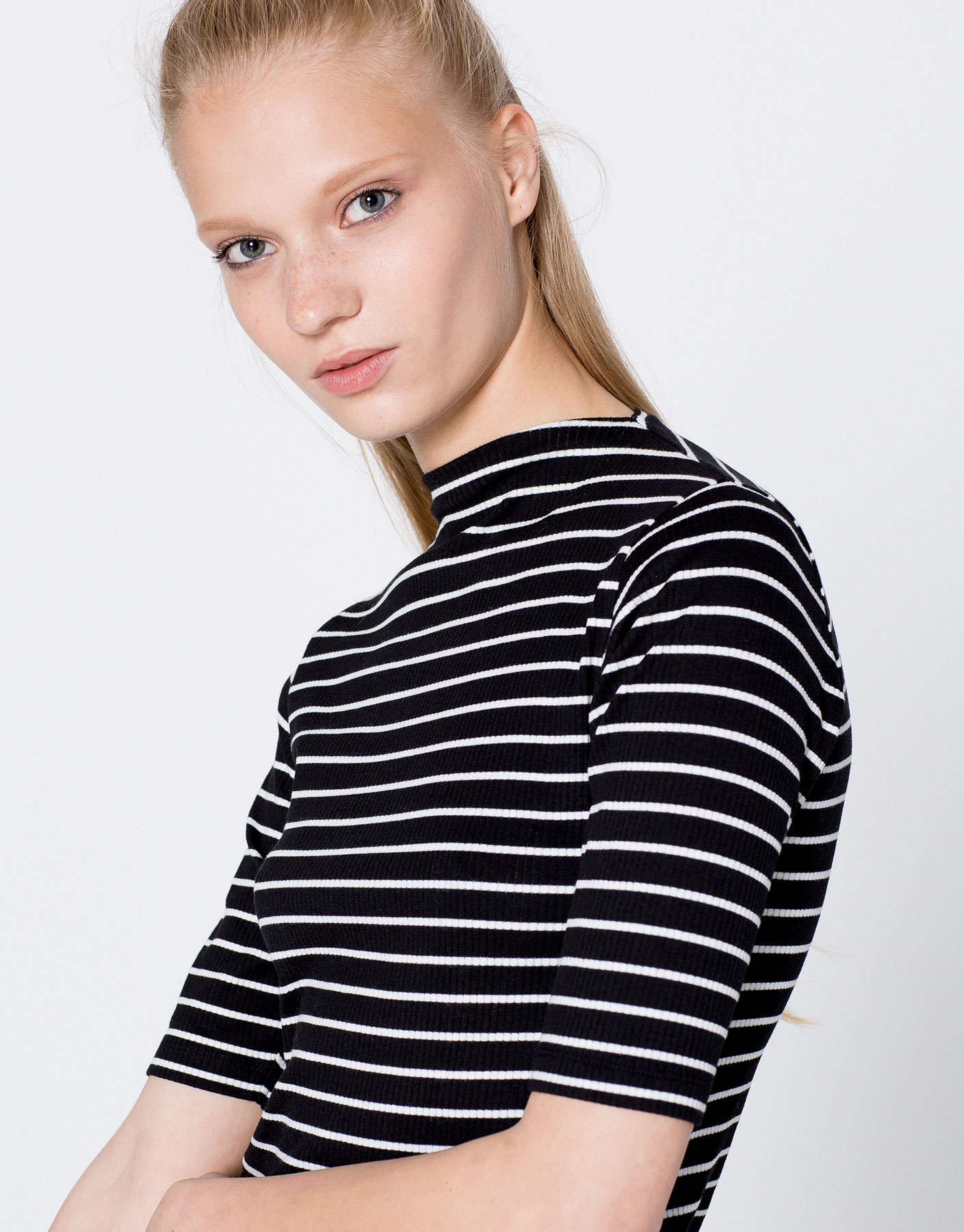Striped ribbed funnel collar T-shirt