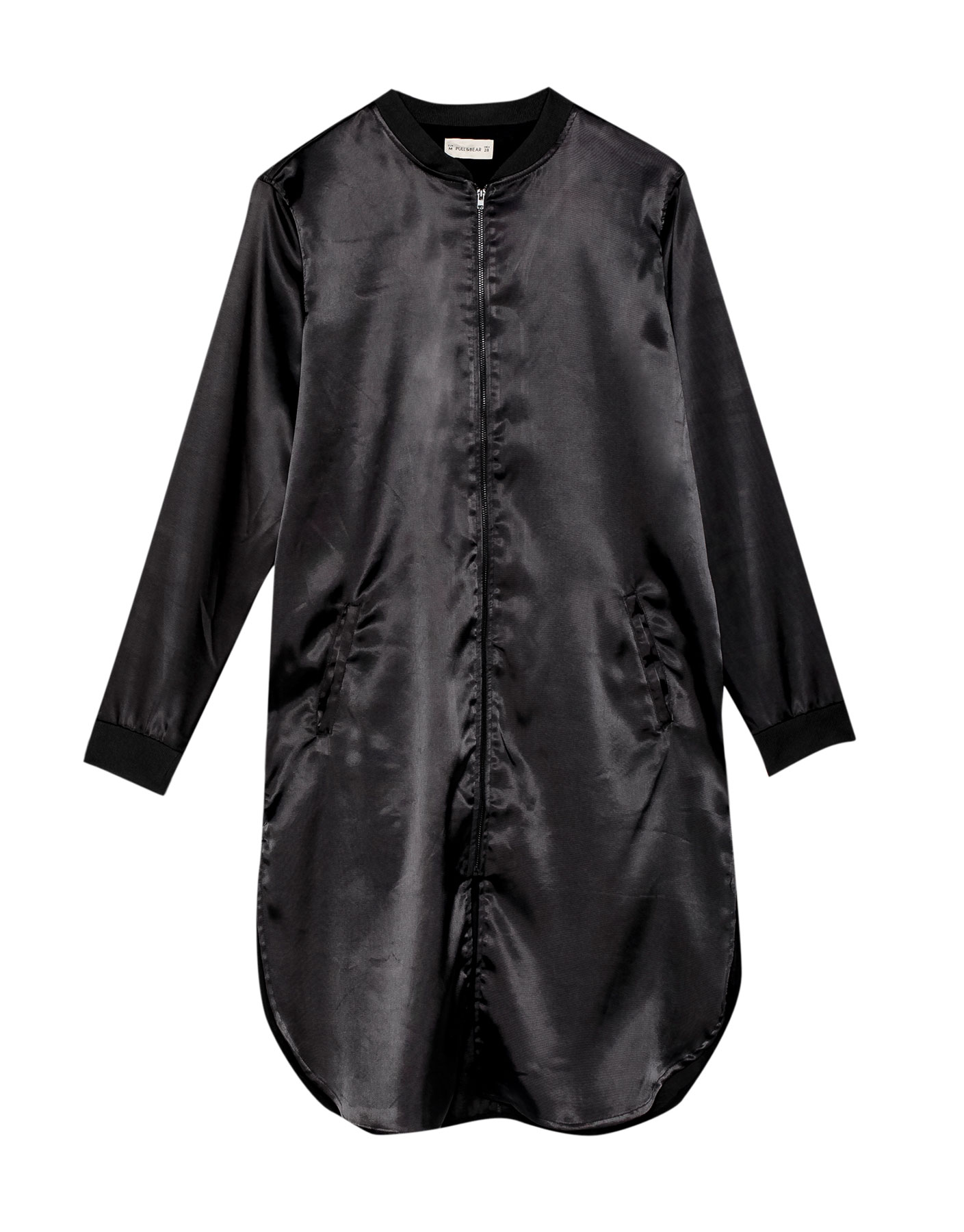Sukienka z orientalnym haftem na plecach Pull & Bear CZARNY