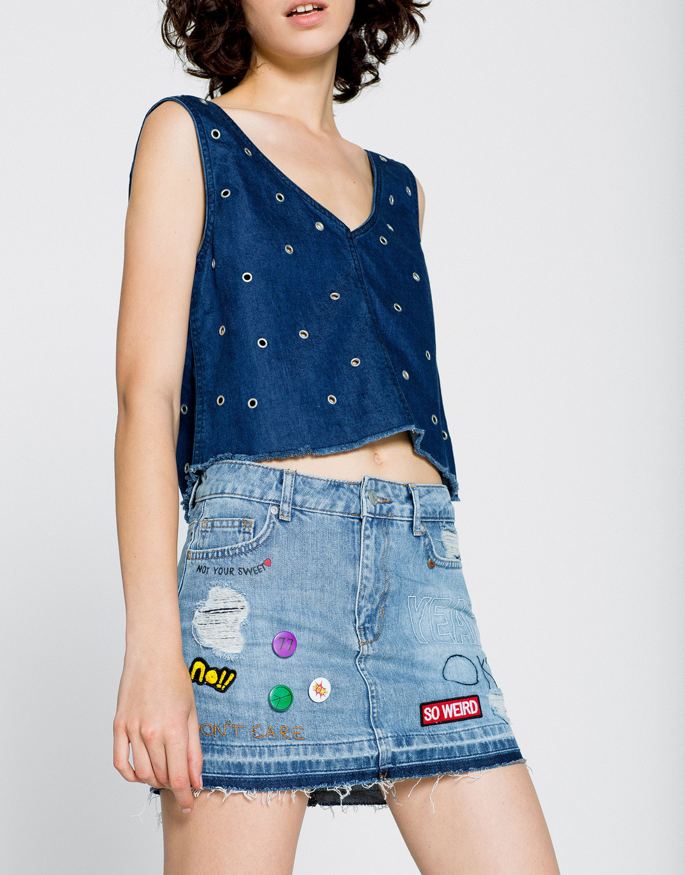 Denim skirt with design