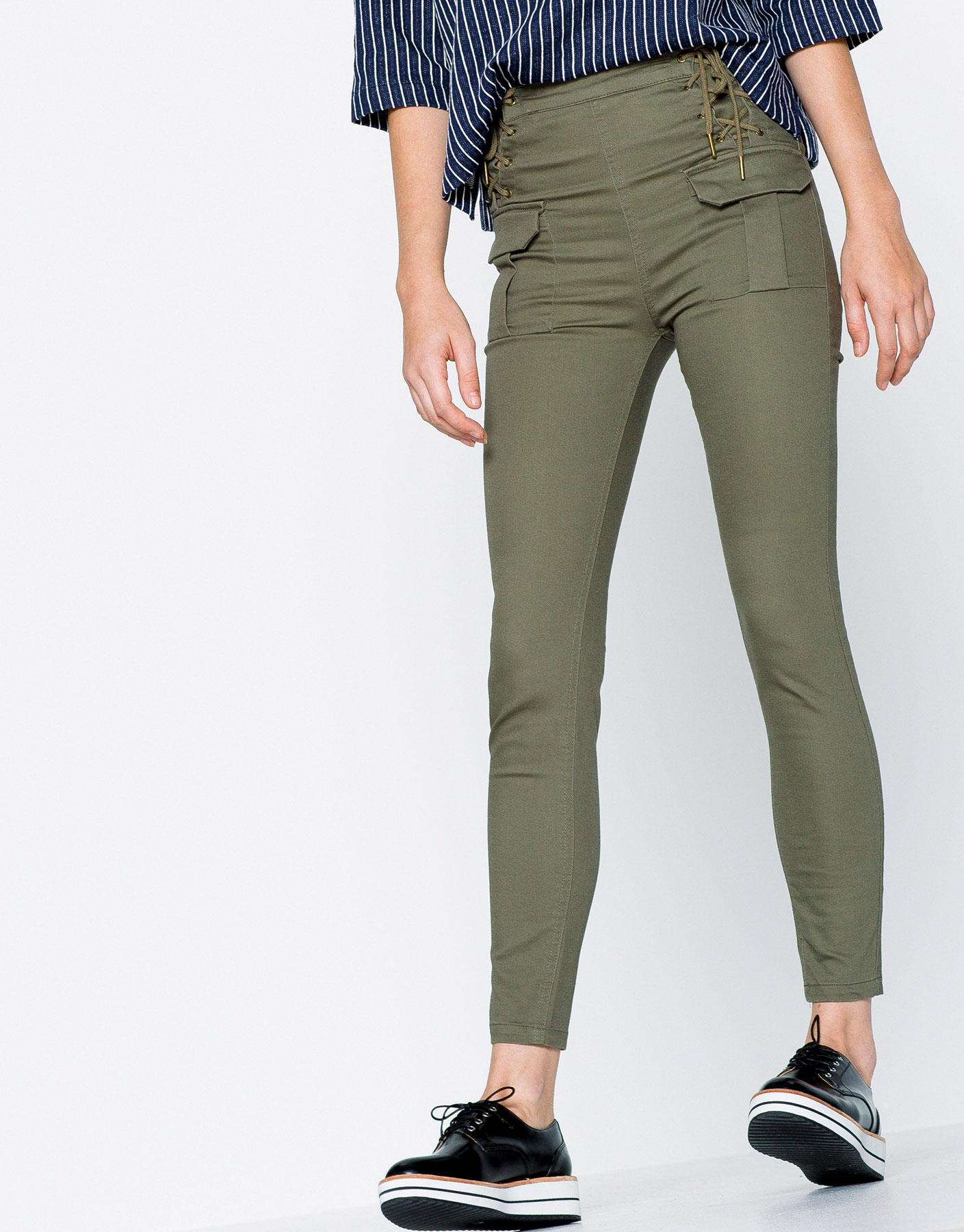 Cargo trousers with cord