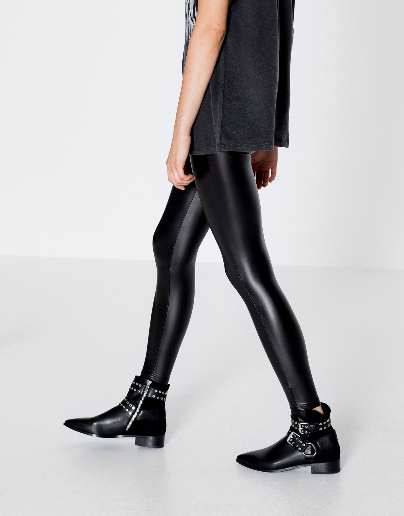 Basic vinyl leggings
