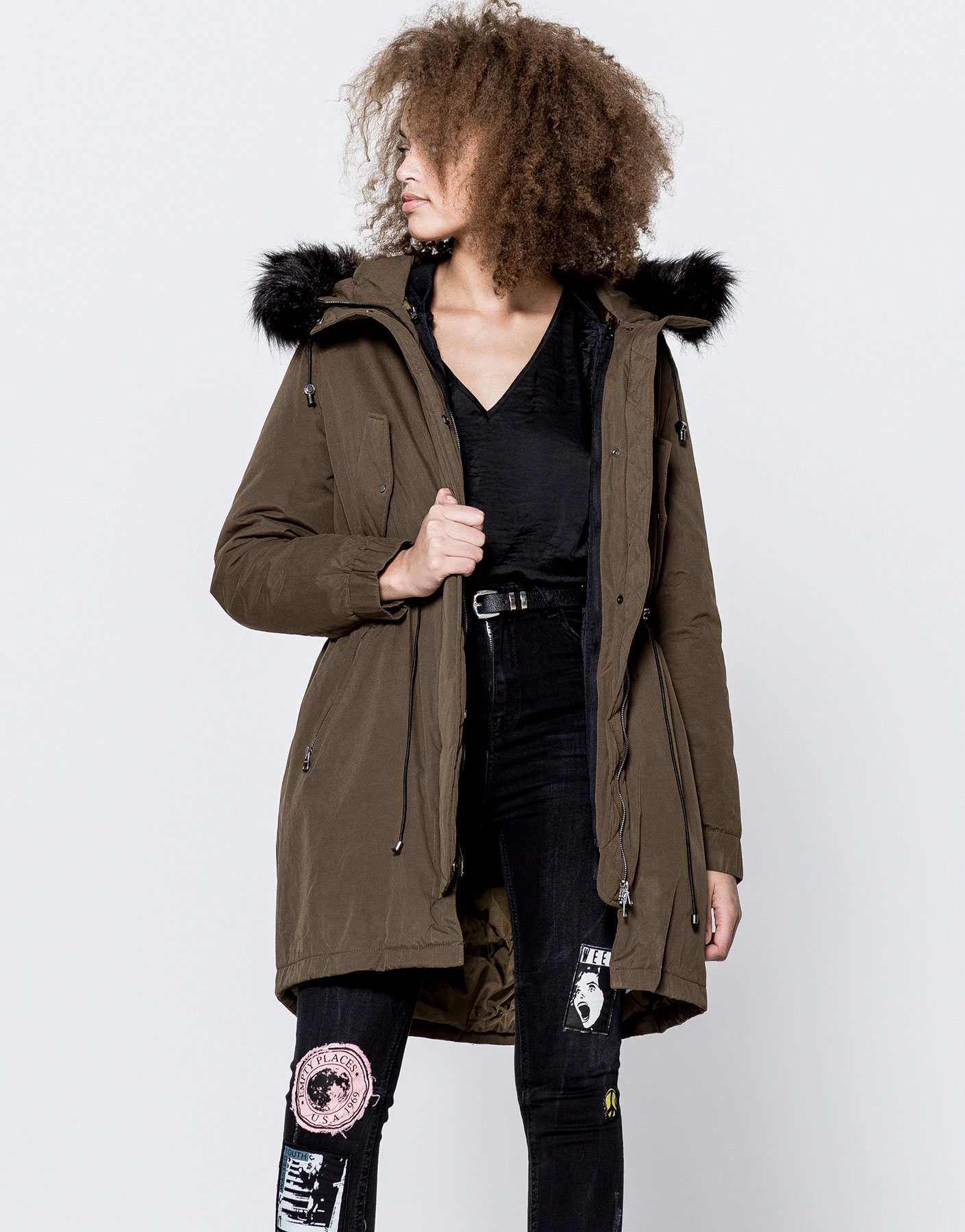Nylon parka with detachable lining