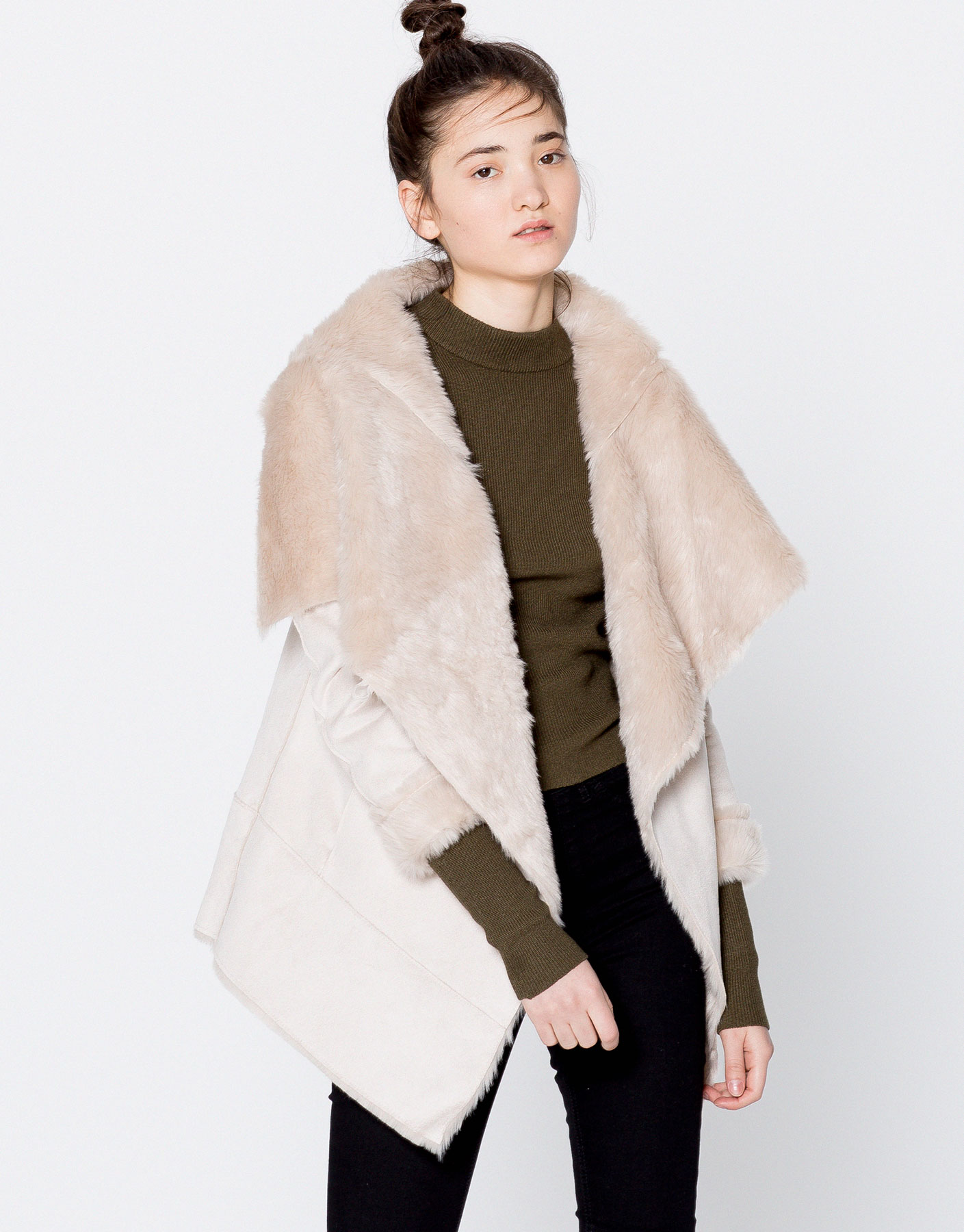 Double-faced coat with faux fur