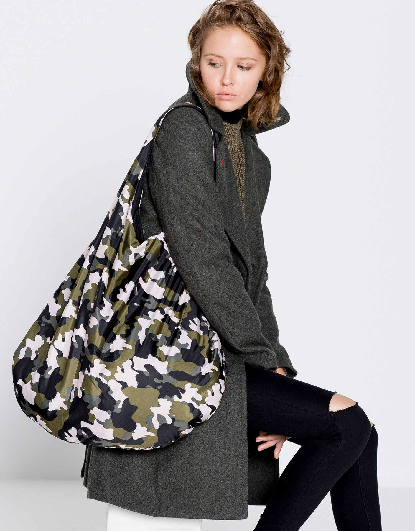 Reversible camouflage bag